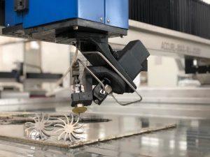 Máquina de corte Waterjet 3D com preço de corte do CNC do jato de água de 5 linhas centrais para a venda